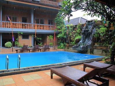 Kolam renang Hotel Sorga Cottages Kuta